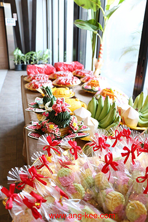 ขนมขันหมากไทย-จีน ขนมใหม่สด ขันหมากใช้ดอกไม้สดจริงๆเท่านั้น มีบริการส่ง