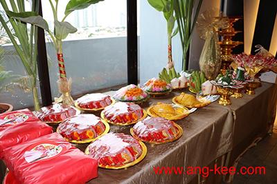 ขนมขันหมากไทย-จีน ขนมใหม่สด ขันหมากใช้ดอกไม้สดจริงๆเท่านั้น มีบริการส่ง ขนมเปี๊ยะ ขนมบัวหิมะ ปลาคู่